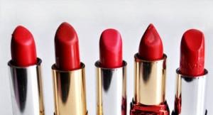 bright-red-lipstick1-600x324-300x162