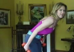 (Video) Melissa My Old Lady Exercises